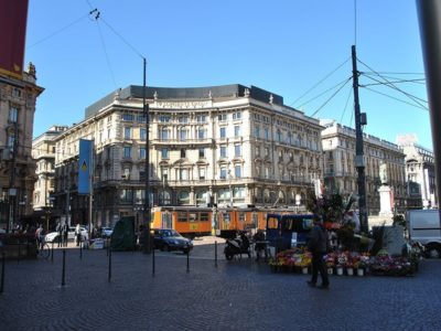 Piazza Cordusio a Milano - Movie Walks