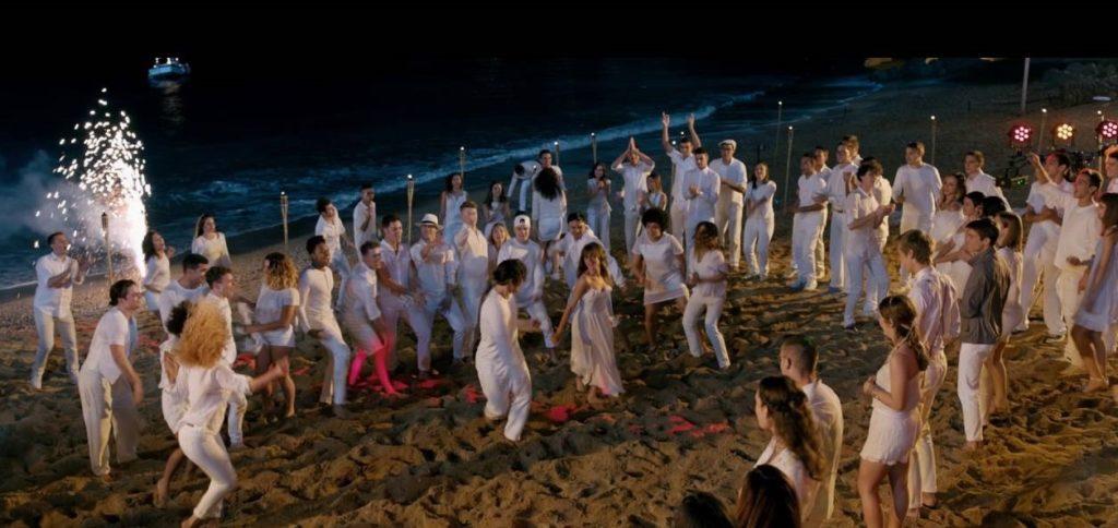 tini-la-nuova-vita-di-violetta-spiaggia-festa-lucciole