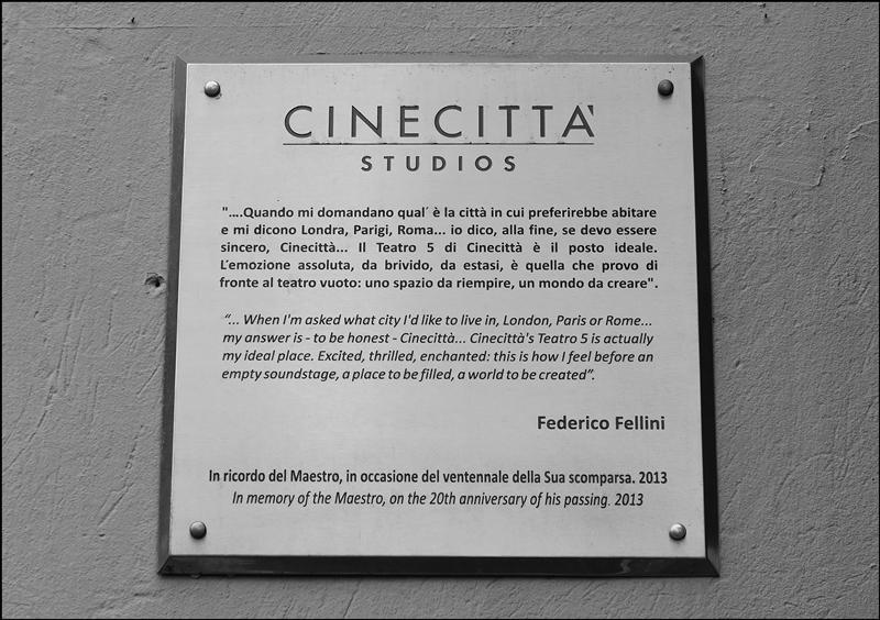 lapide-federico-fellini-cinecitta-studios-roma