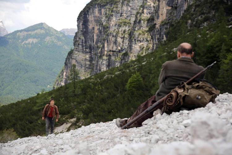 la-pelle-dell-orso-pietro-domenico-marco-paolini-leonardo-mason-italy-movie-walks
