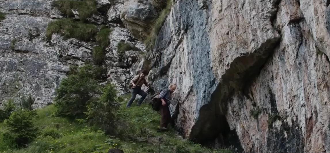 la-pelle-dell-orso-roccia-italy-movie-walks