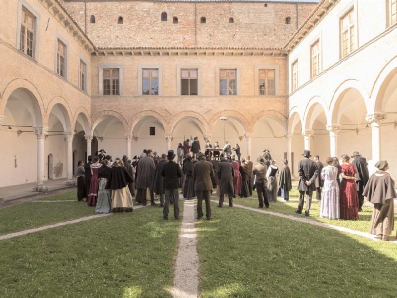 Scena film La Banda Grossi a Urbania